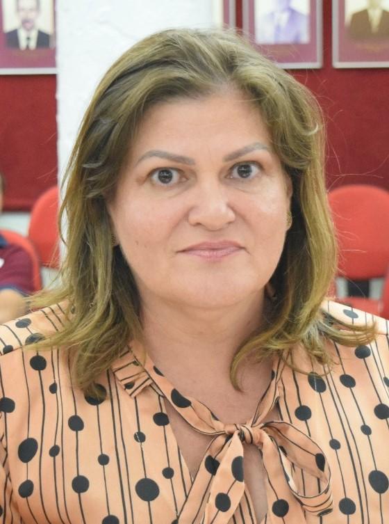 Ana Cláudia requer reparos em estrada vicinal