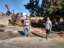 Odinaldo visita obra na Rua Silviano Brandão