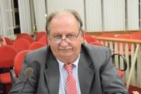 Tõe da Véia propõe melhorias no Velório Municipal