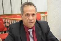 Odinaldo pede interdição para favorecer feirantes